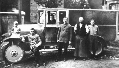 Erster Kraftfahrzeugaufbau